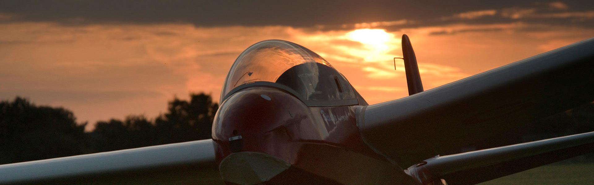 Glider at sunset, Bicester Gliding Centre